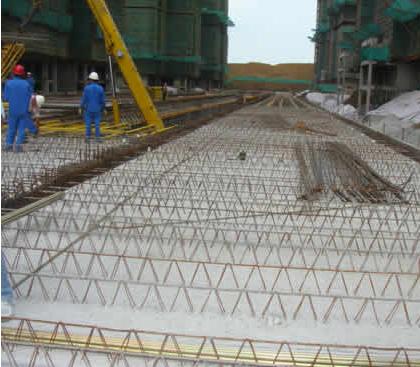 钢结构建筑中除增加外挂板外,是否有用到预制叠合楼板