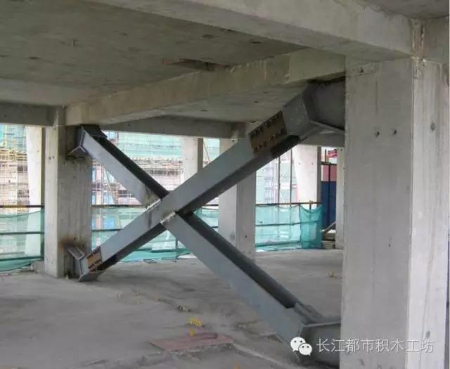 (三)全装配整体式框架钢支撑结构体系 该体系提高了结构的整体抗震性