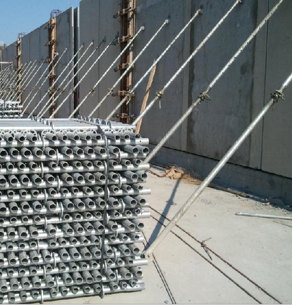 斜支撑是支撑和校准预制墙板最理想的工具; 实用的零配件让加固过程非常简便; 脱位保护装置保障了其应用的安全性; 梯形螺纹让位置调整平稳有序; 总的来说,现在的斜支撑经过人性化设计后操作起来简单安全。 供应商